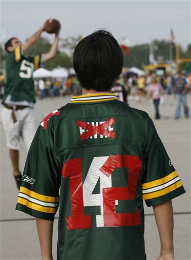 Top 10 Toughest Acts to Follow:  Favre andAway