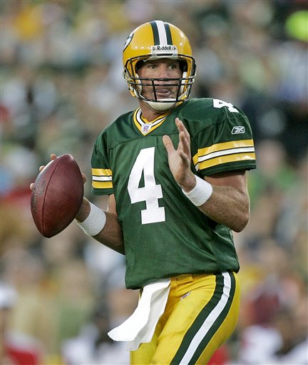 TDIF: Brett Favre Becomes All-Time Winningest QB