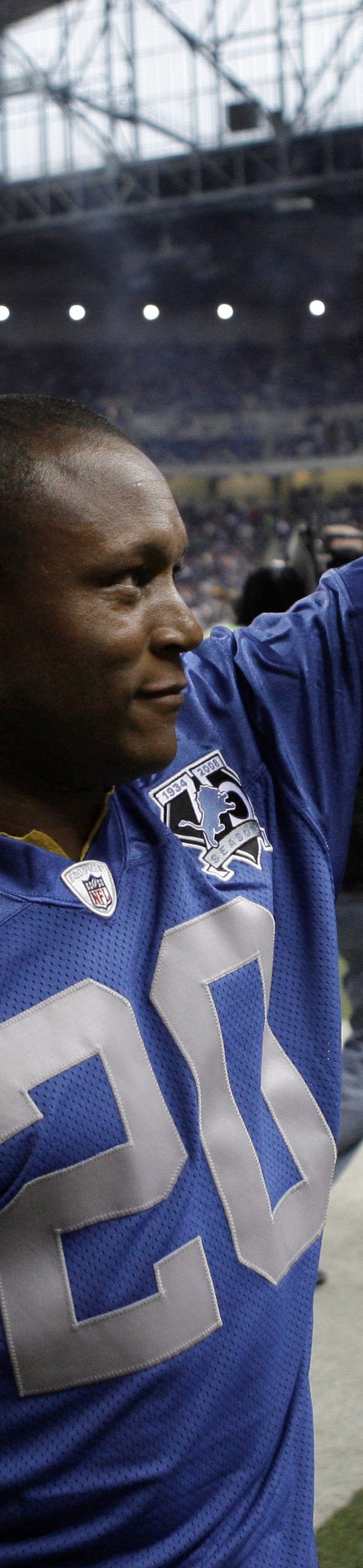 This Day in Football: Barry Sanders retires