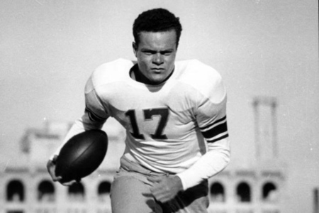 Eagles HOFer Van Buren Dies, Was 1 of NFL's 100 Greatest