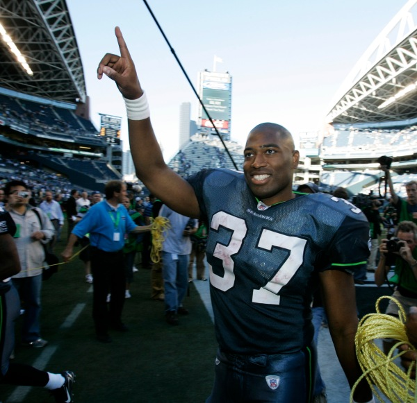 This Day in Football: Shaun Alexander's Birthday