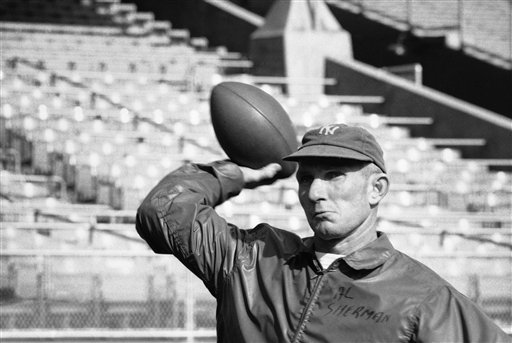 TDIF: Y.A. Tittle Throws For A Record-Tying 7 TDs