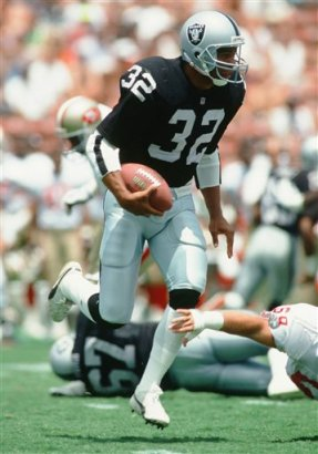 Former RB Marcus Allen of the Los Angeles Raiders.