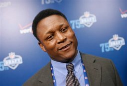 Exclusive Preview of 'Barry Sanders: A FootballLife'